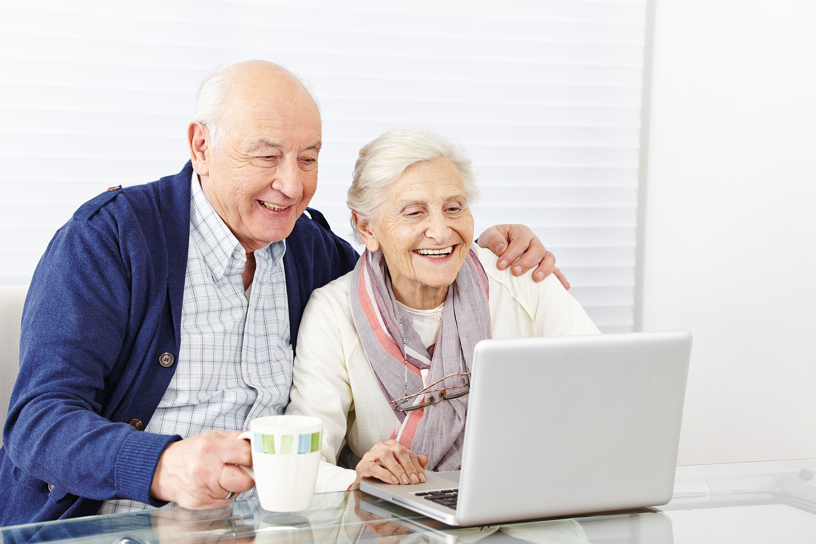 Happy-senior-citizen-couple